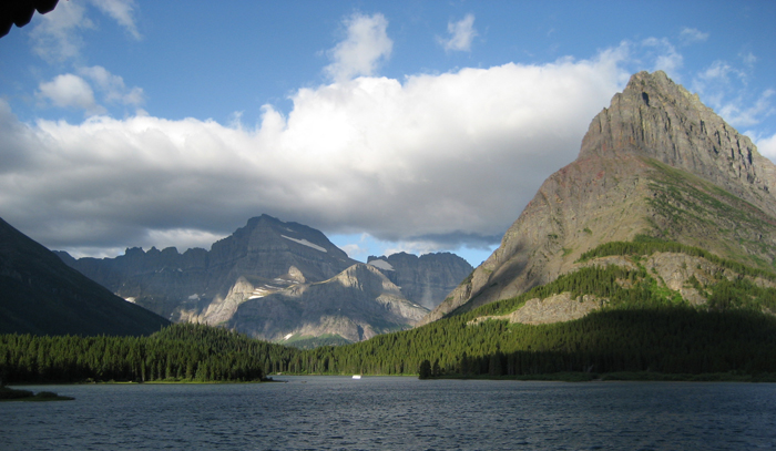 Glacier_Swiftcurrent_lake_small