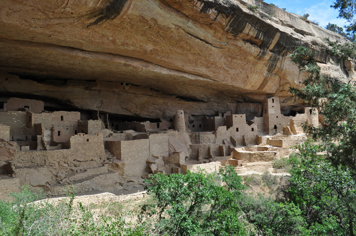 Mesa_Verde_cliff_dwelling_small